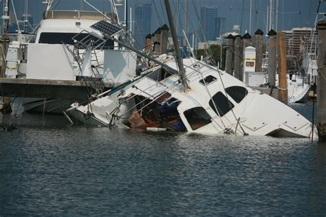 Boat Insurance And Hurricanes by The Guys Cashing In On Hurricane Irma S Boat