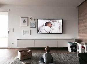 Fernseher An Der Wand : auf welche h he h ngt man den fernseher jetzt tipps lesen ~ Frokenaadalensverden.com Haus und Dekorationen