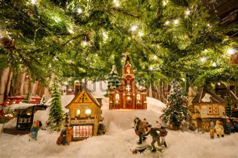 31 christmas village decorations ideas free diy templates - Christmas Village Decorations