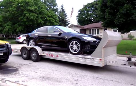 [video] Tesla Model S Battery Replacement Service