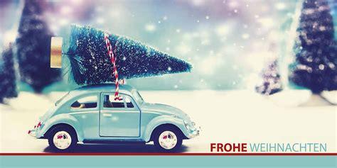 weihnachtskarte mit weihnachtsbaum auf vw kaefer frohe