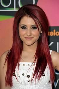 Ariana Grande Rote Haare : osez la teinture acajou inspiration en 40 photos ~ Frokenaadalensverden.com Haus und Dekorationen