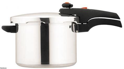 Kitchen Essentials Cooker by Prestige 6 Litre Pressure Cooker Smart Plus Stainless