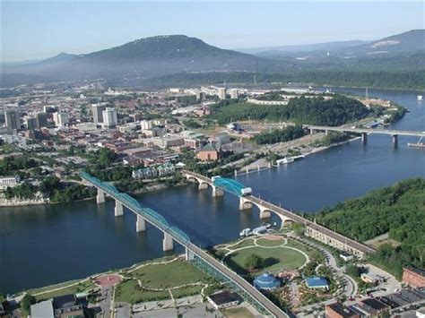 chattanooga  top tennessee cities  jobs survey