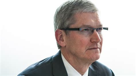 In Confronting The Government, Apple Ceo Tim Cook Takes A