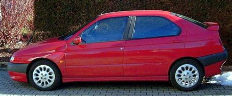 Alfa Romeo 146 Ti.jpg