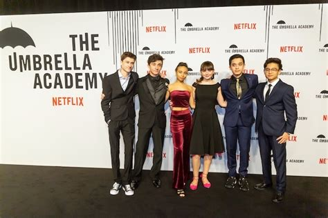 The Umbrella Academy Red Carpet with Ellen Page and Mary J ...