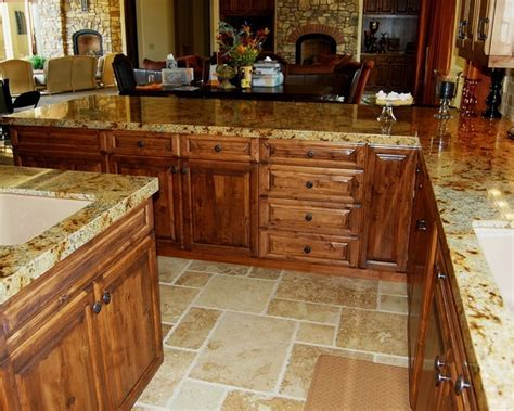 Tuscan Kitchen Peninsula with Counter Seating
