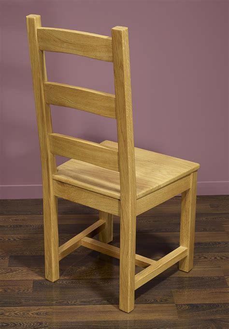 chaise en ch 234 ne massif de style cagnard assise chene