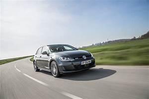 Volkswagen Golf Prix : volkswagen golf sw gtd vs peugeot 308 sw gt 180 le match des prix 2017 2018 best cars reviews ~ Gottalentnigeria.com Avis de Voitures