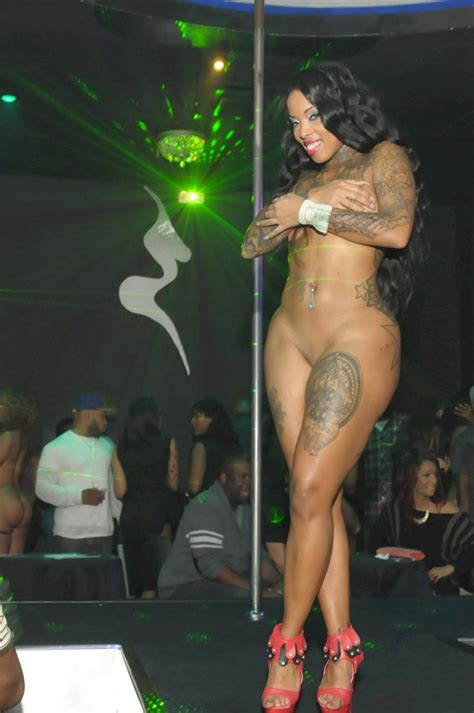 Strip Shesfreaky