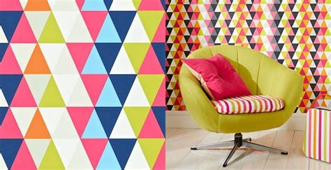 Decorating your kid's room with wallpapers