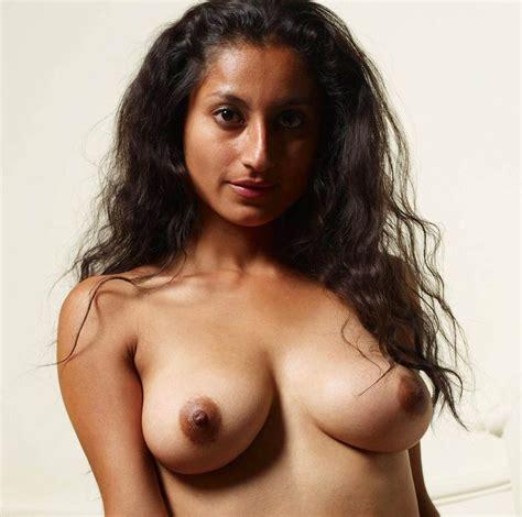 pakistan Xnxx Desi Girls hot Boobs Photo