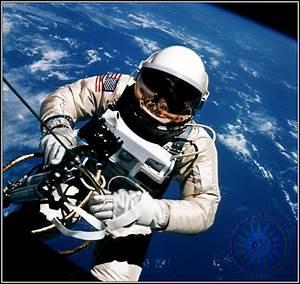 Gemini IV | Symon Sez