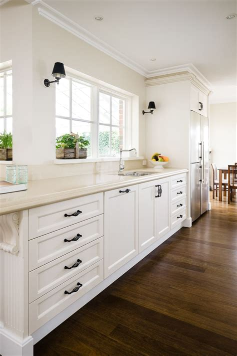 balwyn country kitchen smith smith - Country Kitchen Cabinet Ideas