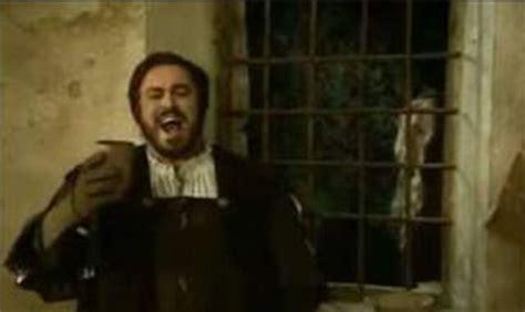 pavarotti sings la donna 200 mobile andantemoderato