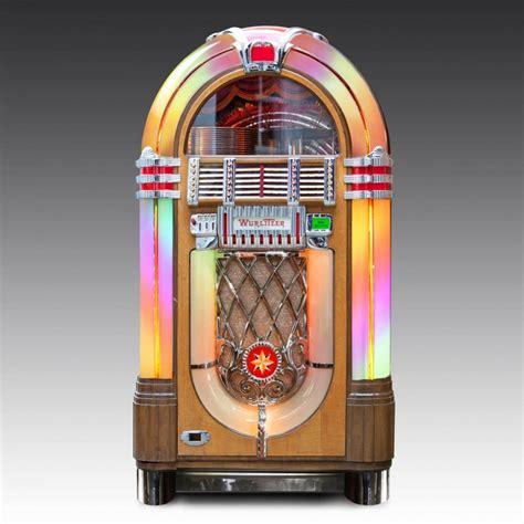 1940s Wurlitzer 1015 vinyl jukebox | The Games Room Company