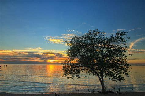 pantai tanjung pendam pantai indah  pusat kota belitung