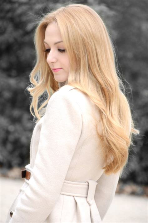 beautiful long blonde hairstyle for spring hairstyles weekly