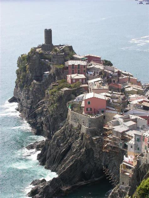 VisitsItaly.com - Liguria Region - Pictues of Corniglia