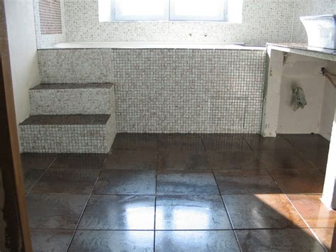pose carrelage salle de bain sol travaux salle de bain