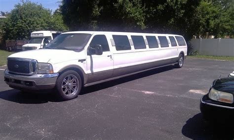 Limo Airport Transportation by Vip Limo Airport Transportation In Ta Fl 33607