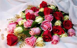 Festival Celebrations: different types of flower bouquets ...