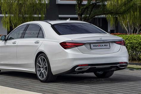 Mercedes also upgraded the augmented reality content and added an active distance assist function that displays images virtually at a distance of 32 feet in front of the driver. 7 Things You Should Know About The New 2021 Mercedes-Benz S-Class | CarBuzz