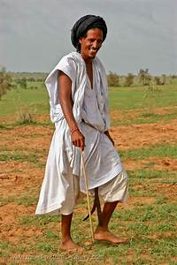 Pictures of Mauritania-0030 - young man in traditional ...