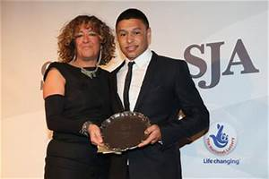 Alex Oxlade-Chamberlain: rélation, fortune, taille ...