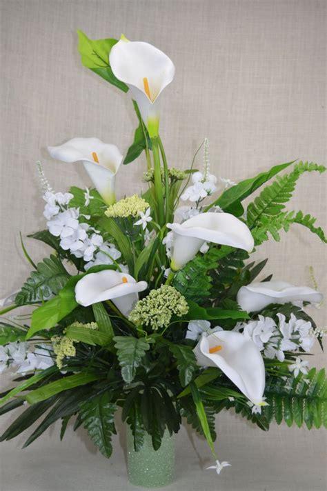headstone flower arrangement ideas 324 best cemetery flower arrangement images on