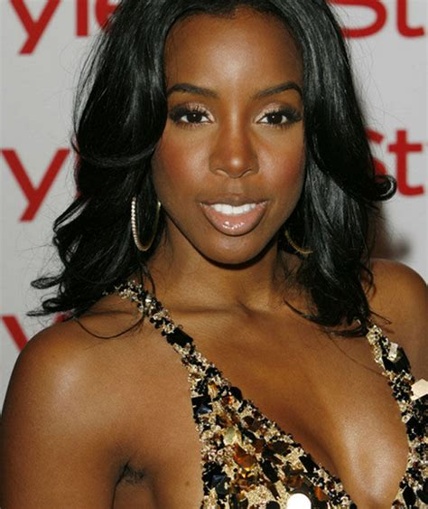 Singer Kelly Rowland Flaunts Her Long Armpit Hair Hairy