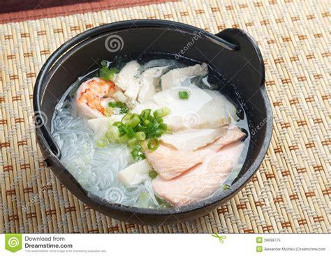 cuisine traditionnelle chinoise soupe de nouilles traditionnelle chinoise de fruits de mer