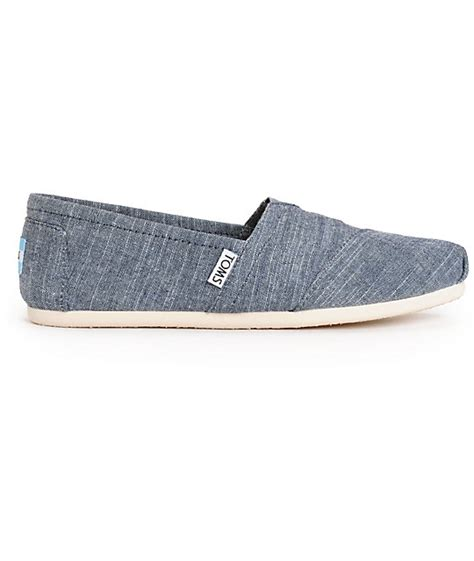 toms classic blue chambray womens shoes zumiez