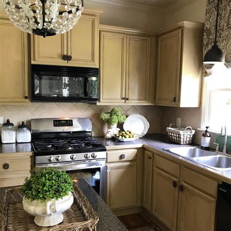 spray polyurethane kitchen cabinets sealing painted kitchen cabinets options