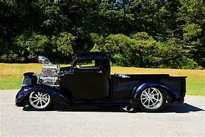 1 147 Hp Shakes The Streets In This 1937 Chevy Pickup