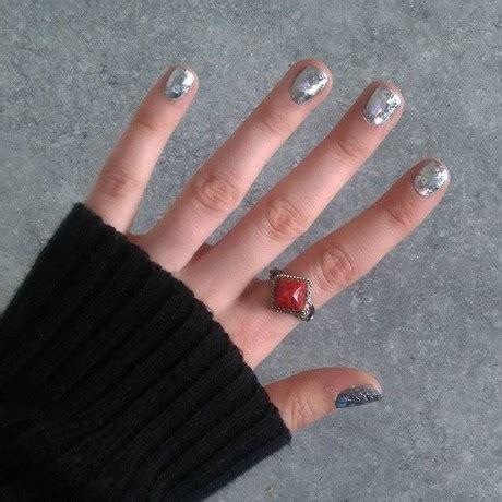 nageldesign selber machen kurze nägel blauwasser nagel selber herstellen winter nageldesign selber machen mit nagellack nisinails