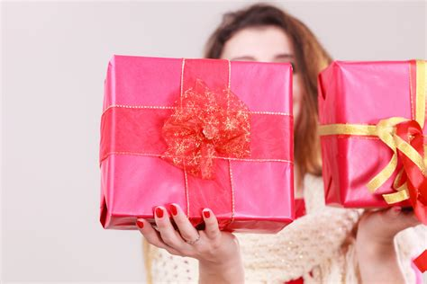 21st Birthday Present Ideas That Females Will Instantly Love 19 Gifts For The Book Lover In Your Life Father's Day Bbq Ideas Fathers Hamper Ex Gf Boyfriend Birthday Yahoo Practical Lovers Gift Certificates Wine Stores Soho