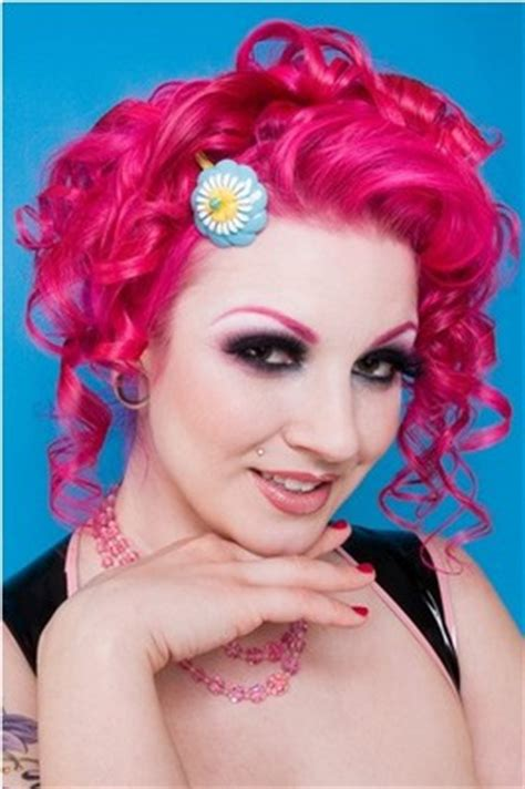 eye catching pink hairstyles   pretty designs