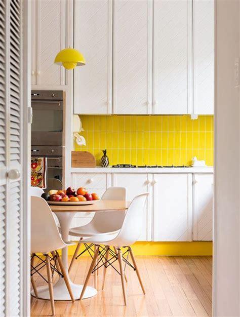 cuisine jaune d oeuf cuisine jaune décoration cuisine jaune
