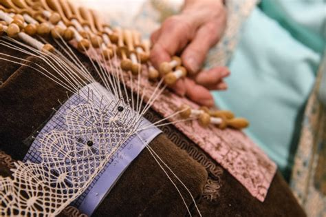 lacemaking demonstration quaker tapestry