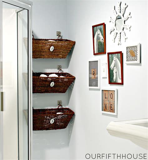 Bathroom Wall Storage Ideas by 3 Simple Small Bathroom Storage Ideas Blogbeen