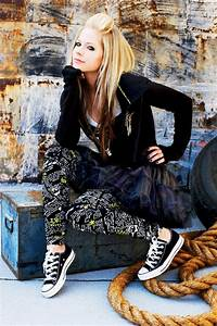 Avril Lavigne Clothes Fav Images Amazing Pictures