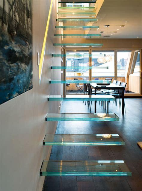 Elegant Modern Penthouse With Glass Theme