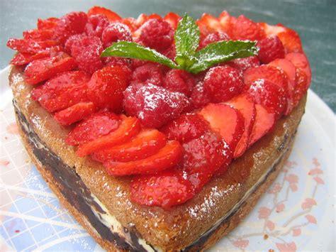 gâteau coco et fruits rouges photo de tartes et gâteaux