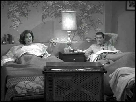 mary tyler moore television bed laura petrie bedroom