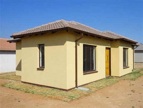 2 Bedroom House Park by 2 Bedroom House For Sale In Clayville Ext 71 Midrand For