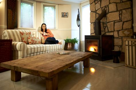 cozy home interiors decorating tips how to feel cozy in your home lifestuffs