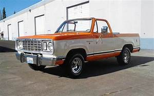 Orange Dreamsicle  1976 Dodge Ramcharger Se