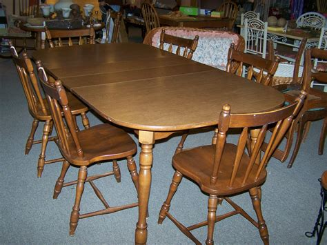 used dining set with 6 maple chairs and 2 leaves 003